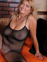 Big boobs mature lady getting - Sexy Women in Lingerie - Picture 10