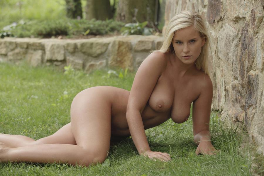 Big Tits Blonde Teen Amateur