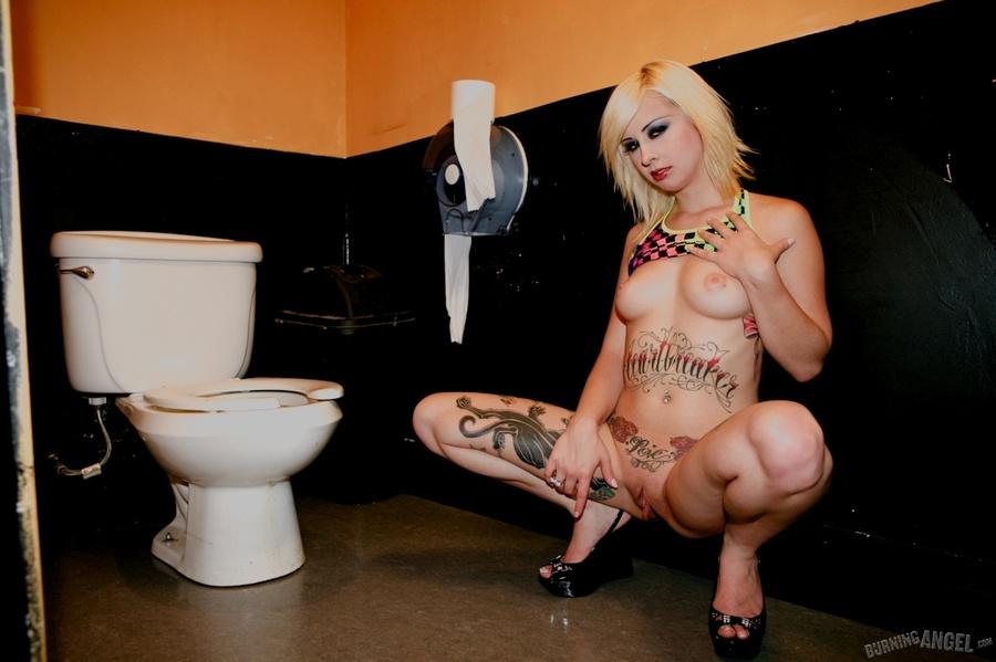 on toilet panties Girl pissing