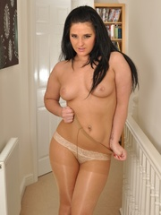 Plump brunette slut in pantyhose - Sexy Women in Lingerie - Picture 6