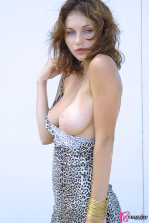 A sexy goddess in her leopard printed dress seductively showing her body curves - XXXonXXX - Pic 9