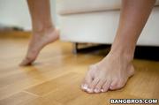 dancing toes