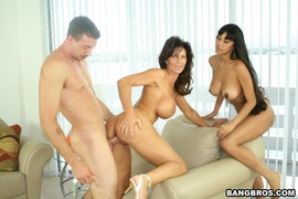 big, milf, threesome, white