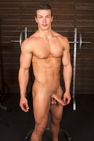 Sexy muscular guy adores demonstrating h - XXX Dessert - Picture 1