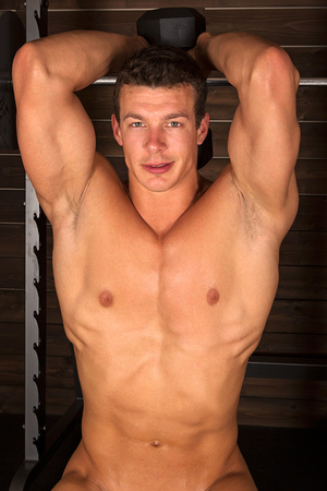 Sexy muscular guy adores demonstrating h - XXX Dessert - Picture 2