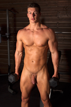 Sexy muscular guy adores demonstrating h - XXX Dessert - Picture 3