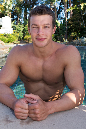 Sexy muscular guy adores demonstrating h - XXX Dessert - Picture 17