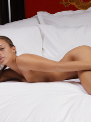 Gorgeous Dominique posing naked in gaiters - XXX Dessert - Picture 7