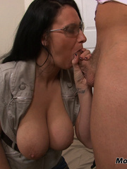 Bella gets a massive load spurted all over her - XXXonXXX - Pic 7