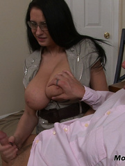 Bella gets a massive load spurted all over her - XXXonXXX - Pic 15