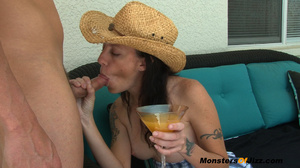 Vacation MILF Jerks Waiter - SEXY 30 something Hayden is enjoying a few days away from the family at an all inclusive resort. Ahhhh the quiet life... The college boy waiter brings her another drink, but she has no money for a tip! What can she do? She tip - XXXonXXX - Pic 10