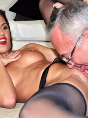 Randy Jim goes down to lick sexy - XXX Dessert - Picture 15