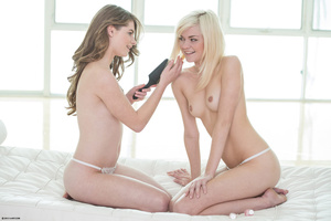 Very hot brunette teen and her blonde BF - XXX Dessert - Picture 1
