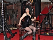 brunette evadominatrix willing perform