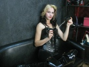 brunette mistressfreda willing perform