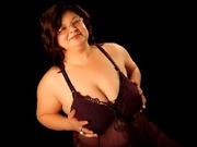 brunette lusciousmadam willing perform