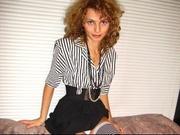 brunette michelle willing perform