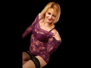 blonde kimberly perform anal