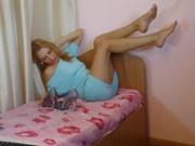 blonde angela willing perform