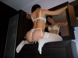 brunette carla perform anal
