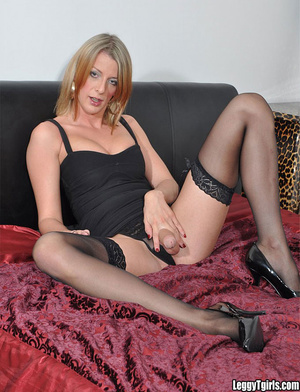 A dislay of hardcore MILF with daring be - XXX Dessert - Picture 4