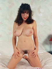 Diana Wynn, big tits UK page 3 girl, nude - XXX Dessert - Picture 1