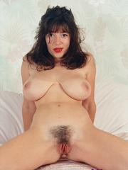 Diana Wynn, big tits UK page 3 girl, nude - XXX Dessert - Picture 2