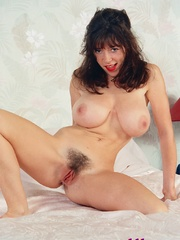 Diana Wynn, big tits UK page 3 girl, nude - XXX Dessert - Picture 3