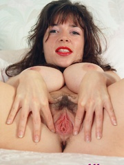 Diana Wynn, big tits UK page 3 girl, nude - XXX Dessert - Picture 4