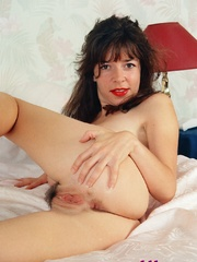 Diana Wynn, big tits UK page 3 girl, nude - XXX Dessert - Picture 8