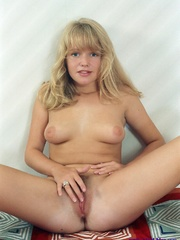 Helen Hanson beautiful blond pubic hair - XXX Dessert - Picture 14