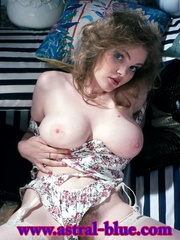 Shot her in the 90s, she just turned up - XXX Dessert - Picture 5