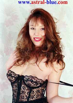 Page 3 Girl Lucy Gresty doing things she - XXX Dessert - Picture 1