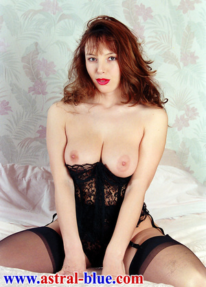 Page 3 Girl Lucy Gresty doing things she - XXX Dessert - Picture 5