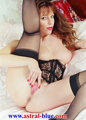 Page 3 Girl Lucy Gresty doing things she - XXX Dessert - Picture 14