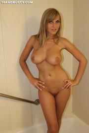 cute slender chick models
