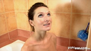Babe in bath washes herself with hot piss before being sprayed by guy with piss - XXXonXXX - Pic 9