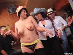 Three guys join three horny fat chicks drinking in bar - Picture 6
