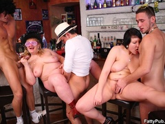 Three guys join three horny fat chicks drinking in bar - Picture 16