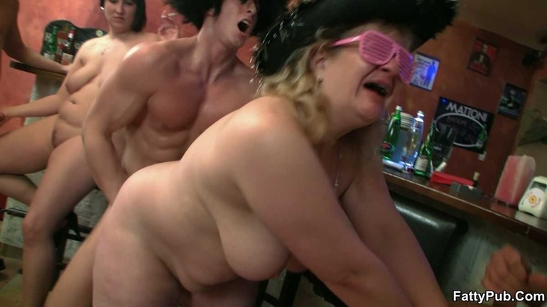 Hardcore BBW sucking, drinks and fucking all the way - Picture 16
