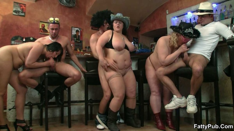 Fat chicks show no shame striping nude in bar to suck - Picture 15