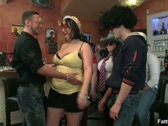 Three fat chicks in bar joined by three guys for BBW - Picture 3