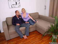 Lucky guy sucks big tits before fat babe sucks his cock - Picture 1