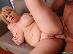 Lucky guy sucks big tits before fat babe sucks his cock - Picture 12