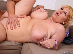 Fat chicks can fuck too as this fat blonde sucks cock - Picture 12