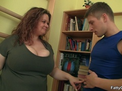 Fat chick calls guy over to suck his cock and get fucked - Picture 3