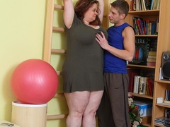 Fat chick decides to exercise by vigorous cock sucking - Picture 3
