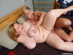 Fat chick gives masseur steamy blow job before bending - Picture 16