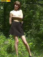 Teen with cute small tits take off her clothes to - XXXonXXX - Pic 3