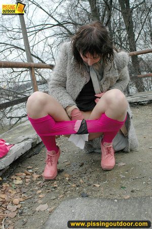 Girl in bright shows no shame as she bends to show pussy and pee right on the road - XXXonXXX - Pic 10